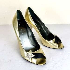 Marc by Marc Jacobs gold geometric star pumps 7